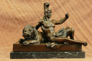 Art D Cor Hot Cast Roman Warrior Laying With Lion Bronze Figurine Sculpture