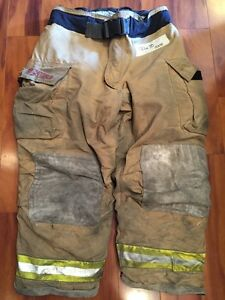 Firefighter Bunker Turnout Gear Pants Globe 44x30 G Extreme Halloween Costume