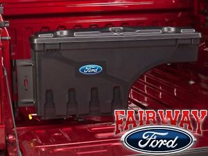17 Thru 20 Ford F250 F350 Oem Ford Lockable Pivot Storage Bed Tool Box Driver Lh