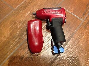 Snap on Tools Mg325 3 8 Drive Impact Wrench Ready To Get A Nut Lets Work