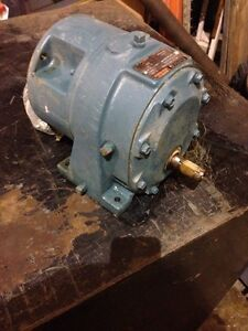 Reliance Gear Reducer 56sm16a Ratio 6 2 Torque 257 In lbs 79163 10 cl