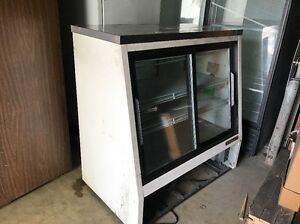 True Tsid 48 4 Refrigerated Deli Case 48 4 Door Sliding Glass Display Case Used