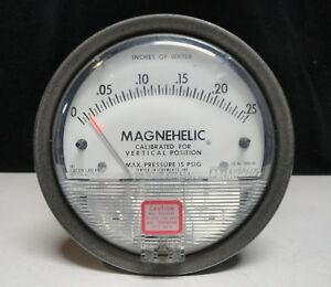 Dwyer Magnehelic Differential Pressure Gauge 0 25 2000 00 15 Psig