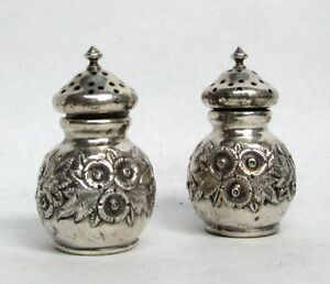 Vintage Reed Barton Sterling Silver Floral Repousse Personal S P Shakers