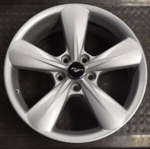 2013 2014 Ford Mustang Oem Wheel Rim 3907 Dr331007ca 18x8 Silver Et44