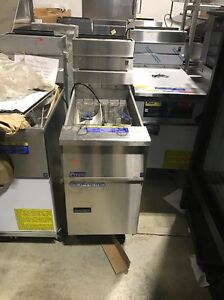 Pitco Ssh55 Solstice Supreme Commercial Fryer Scratch And Dent