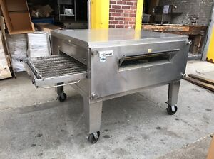 Lincoln 3255 Commercial Single Deck Conveyor Pizza Oven Used