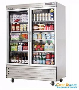 Everest Ebgr2 54 1 8 Two Section Glass Door Upright Reach in Refrigerator