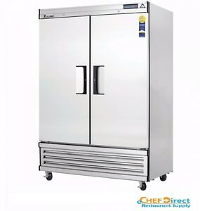 Everest Ebsf2 49 5 8 Two Section Solid Door Upright Reach in Freezer