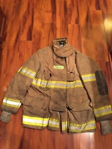 Firefighter Globe Turnout Bunker Coat 46x35 2001 Halloween Costume
