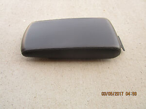 08 10 Dodge Charger Sxt Srt8 Se Center Console Arm Rester Lid Black Leather