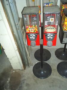 Two Used Oak Vista Gumball Machines With Stand Red 25 Cent