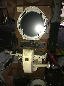 J l Model Tc 14 Optical Comparator