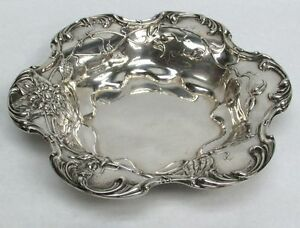 Beautiful Perfect Gift Art Nouveau Meriden Sterling Silver 9 Bowl
