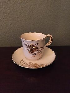 Prince Edward Bone China Cups And Saucers Set 8 Hand Painted Gold Trim Vintage