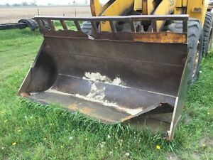 Michigan 75 cm Wheel Loader Bucket Left Front Corner Damage Needs Repairs