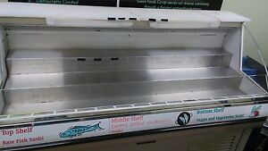 Sushi Display Case Good Working Condition Color White Brand Master bilt