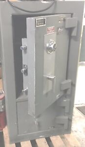 Safe Volt Amsec With 2 Compartments Weight 2000 Lbs