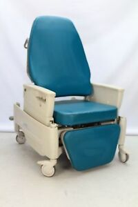 Hill rom Procedural Recliner chair Model P1320 Refurbished 90 Day Warranty