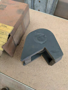 New Holland Tractor Quick Hitch Support Ball P n D9nn E807 Aa 83918667