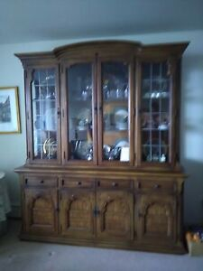 Furniture Mahogany 4 Pc Bedroom China Cabinet Matching Credenza And 6 Dr Set