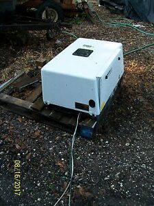 White Onan Commercial Gasoline Generator Model 7hgjae 2132k