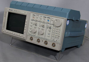 Tektronix Tds540a 500 Mhz 4 channel Digitizing Oscilloscope Tds 540a opt 1f