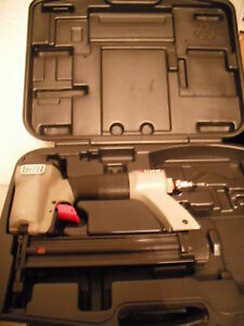 Porter cable Bn125a 5 8 1 1 4 inch 18 gauge Brad Nailer Includes Protective Case