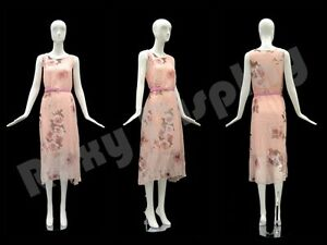 Female Fiberglass Glossy White Mannequin Eye Catching Abstract Style md xd01w