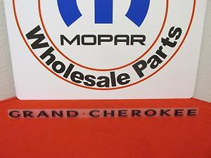 Jeep Grand Cherokee Gloss Black Grand Cherokee Door Nameplate New Oem Mopar