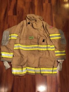 Firefighter Globe Turnout Bunker Coat 39x32 G xtreme Halloween Costume 2005