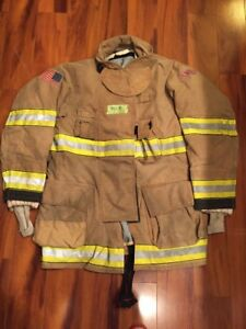 Firefighter Globe Turnout Bunker Coat 44x35 G xtreme Halloween Costume 2009