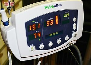 Welch Allyn 53nto Vital Signs Monitor 300 Series Spo2 Temp Nibp W Accessories