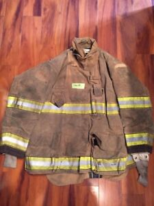 Firefighter Globe Turnout Bunker Coat 46x35 G xtreme Halloween Costume 2011