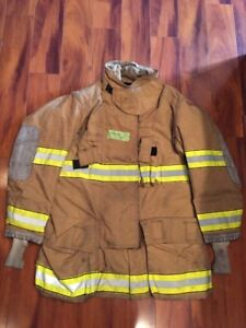 Firefighter Globe Turnout Bunker Coat 44x35 G xtreme Halloween Costume 2007
