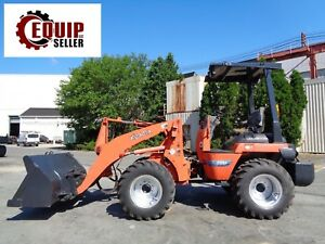 Kubota R520 Wheel Loader 4x4 Quick Disconnect