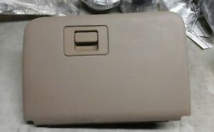2002 Ford Explorer Mountaineer Non Locking Glove Box Assembly Tan