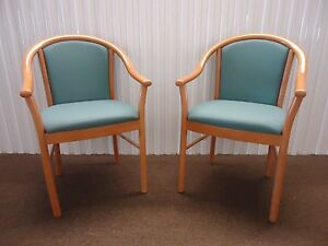 Pair Of Alcove Guest Chairs side Chairs By Steelcase Green Fabric Slightly Use
