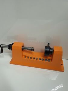 Lyman Universal Case Trimmer w 9 pilots #7862000 Used very little
