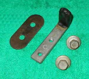 1969 1970 Mustang Coupe Convertible Shelby Cougar Xr7 Orig Quarter Window Stop
