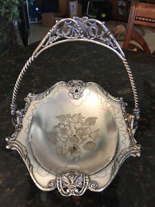 Huge Lyons Silver Company Brides Basket From 1889 Quadruple Plate Number G 22