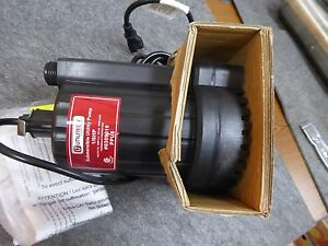 Utilitech Thermoplastic Submersible Utility Pump Non Automatic Water Model Ppu6