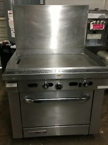 Vulcan 36 Flat Top Range W Convection Oven