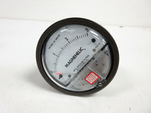 Dwyer Magnehelic 2003 Pressure Switch Gage Range 0 3 Inches Water