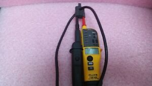 Fluke T130 Vde Voltage And Continuity Tester