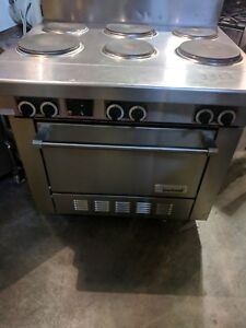 6 Burner Electric Restaurant Range With Standard Oven 240v 1phase 19 Kw 1318