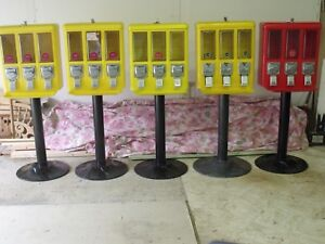 Metal Triple Vending Gumball Candy Machine 25 Vend Used