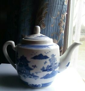Vintage Chinese Blue And White Porcelain Teapot With Period Mark And Willow