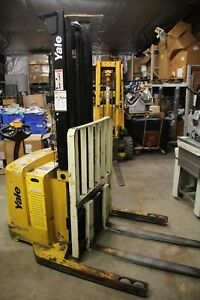 Yale Walkie Stacker 24 Volt Straddle Walk Behind Forklift 3800 Lb Cap Side Shift