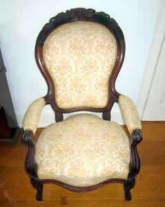 Beautiful Victorian Upholstered Walnut Arm Chair Excellent Solid Shape Ca 1880